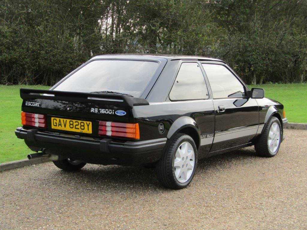 Ford Escort sprzedany za kosmiczne pieniądze. Wersja RS1600i pięć razy droższa niż w 1983 roku